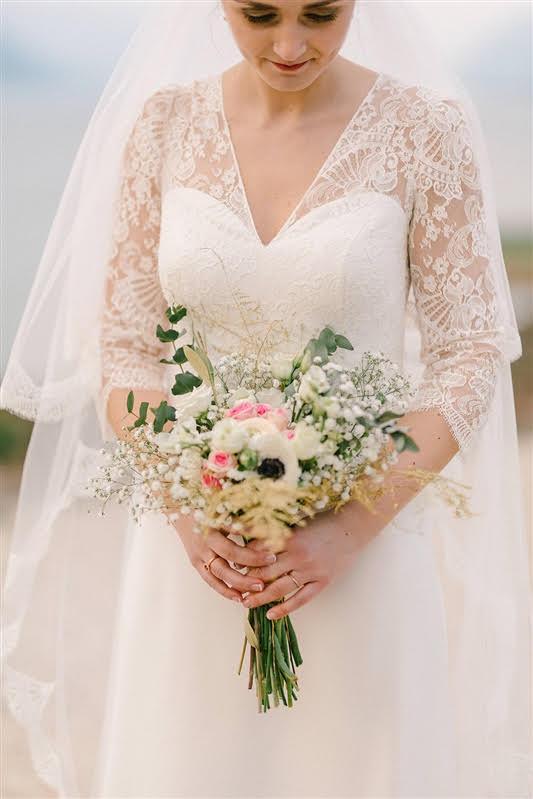 robe de mariée en dentelle paris
